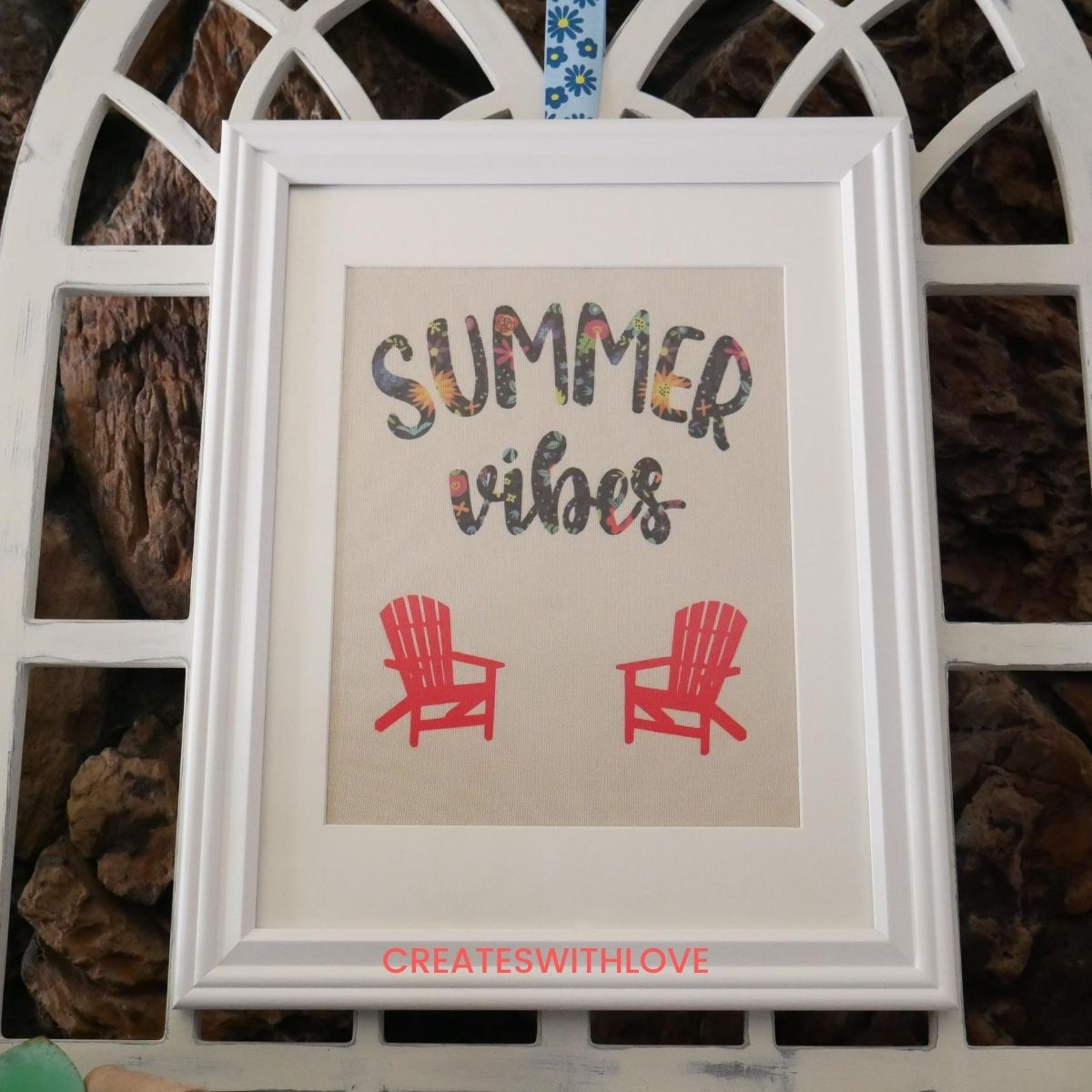 A summer vibes home decor sign to hang on your mantel or anywhere in our home.  It says Summer vibes and has 2 beach chairs.